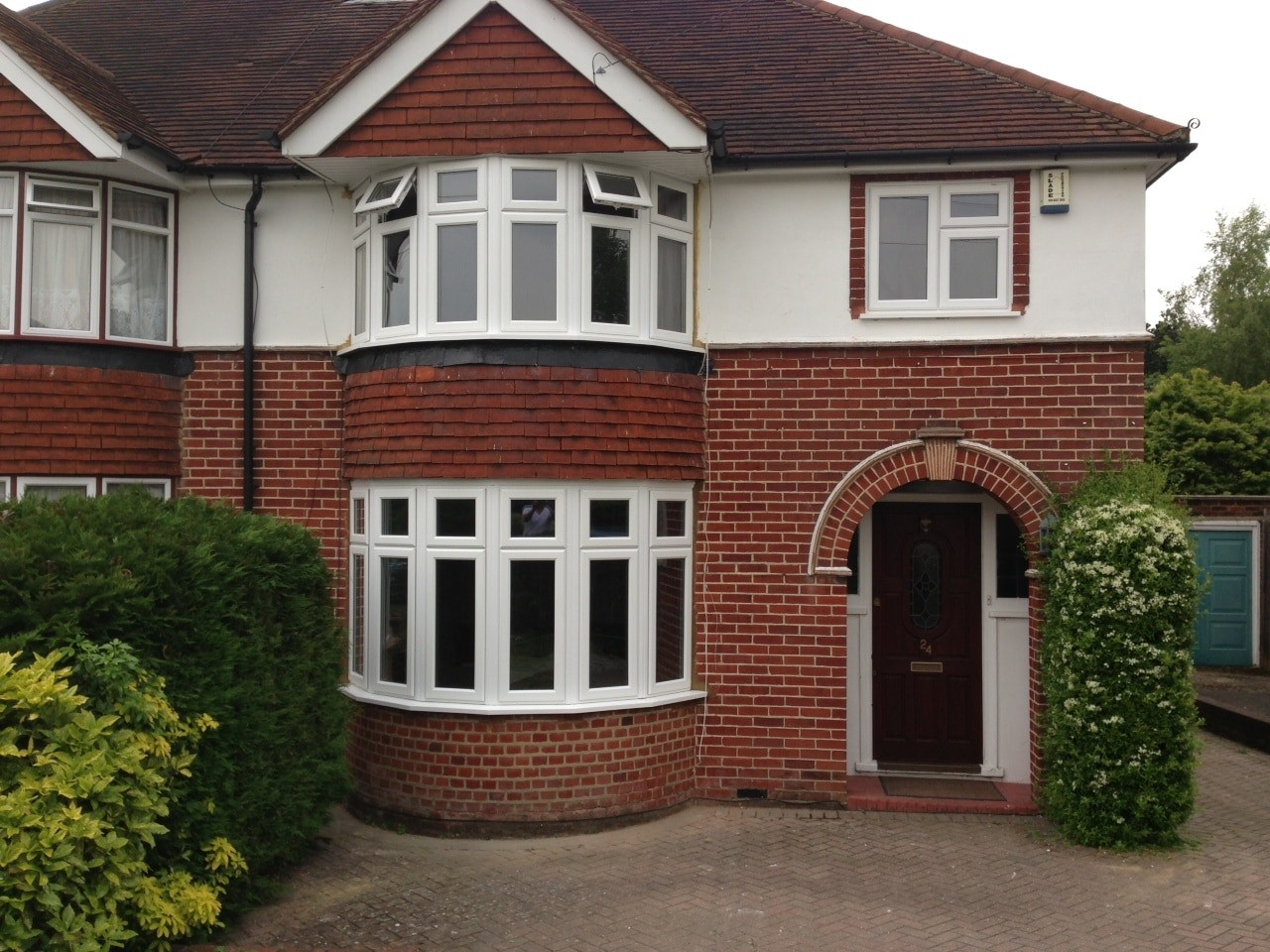 Bay windows manufactured supplied in south london for Bay window designs uk