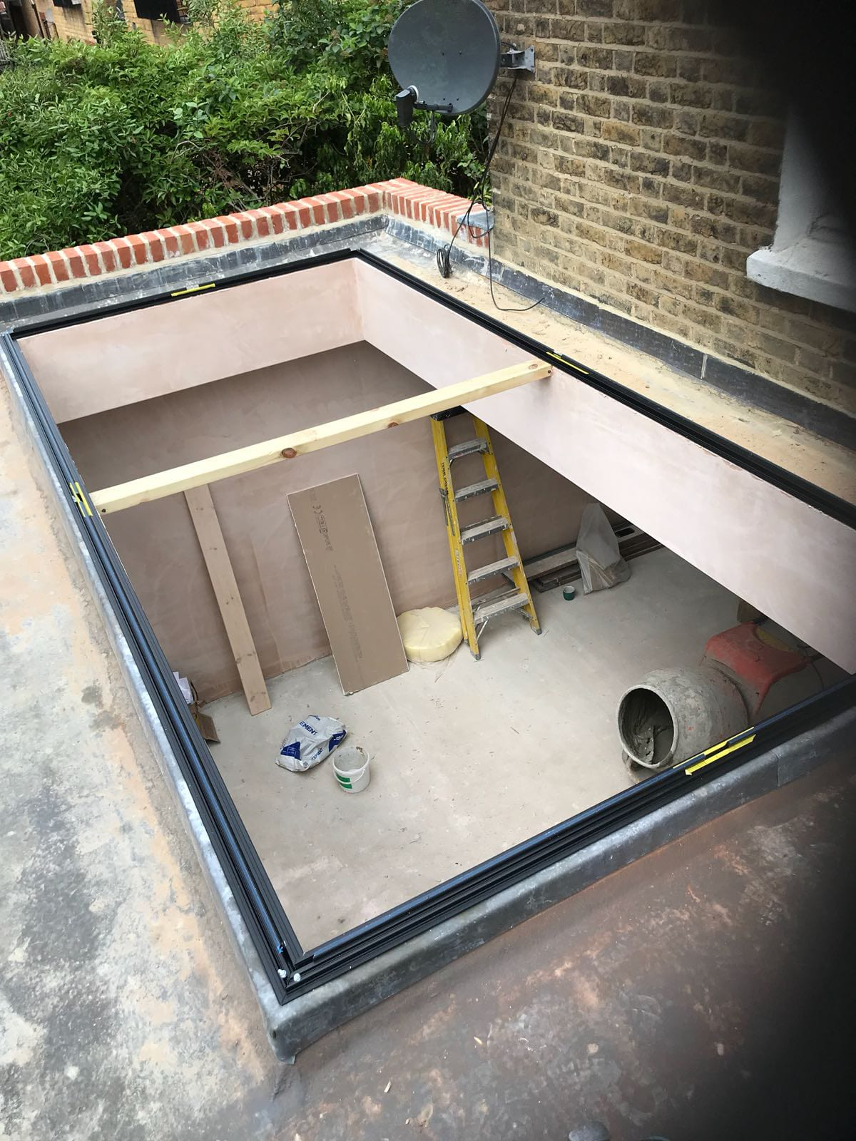 We shine a spotlight on how our expert team overcome window & door installation challenges. Includes meeting fast turnarounds, managing limited access to a property & finding solutions if let down by a supplier. Read more now